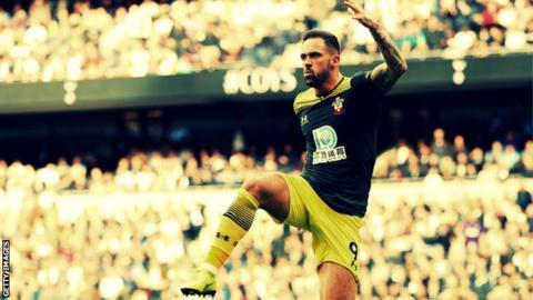 Danny Ings celebrates scoring for Southampton