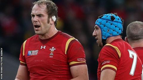 Alun Wyn Jones and Justin Tipuric of Wales