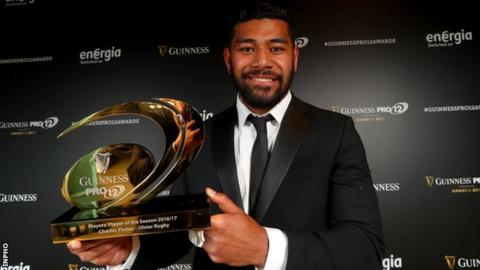 Charles Piutau with his Pro12 player of the season award