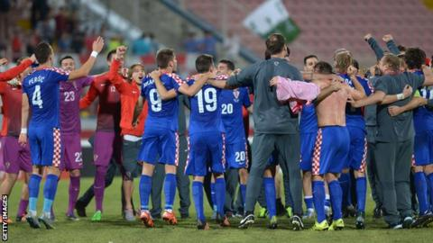 Croatia reach Euro 2016