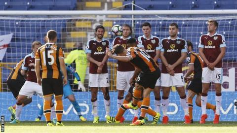 Robert Snodgrass scored his third goal of the season for Hull City with his late free-kick