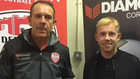 Candystripes manager Kenny Shiels with new loan signing Nicky Low at the Brandywell on Monday