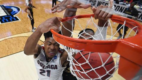 Anaheim, California, 28 March: Rui Hachimura of the Gonzaga Bulldogs dunks the ball against Mfiondu Kabengele of the Florida State Seminoles on the way to a 72-58 victory in the NCAA Men's Basketball Tournament.