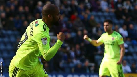 David McGoldrick celebrating his goal for Sheffield United