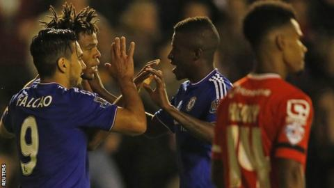 Chelsea celebrate Loic Remy's goal