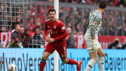 Bayern Munich crush Wolfsburg 6-0 to take over Bundesliga lead