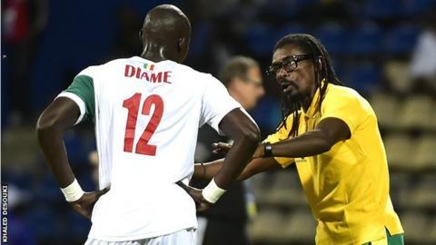 Mohamed Diame and Senegal boss Aliou Cisse
