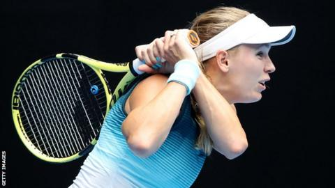 Sharapova ousts defending champion Wozniacki