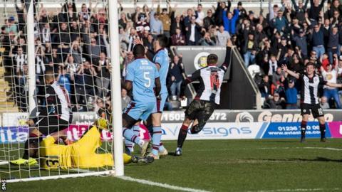 Brad Lyons celebrates his winner for St Mirren