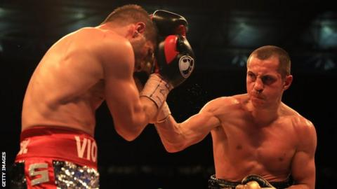 Scott Quigg (right)