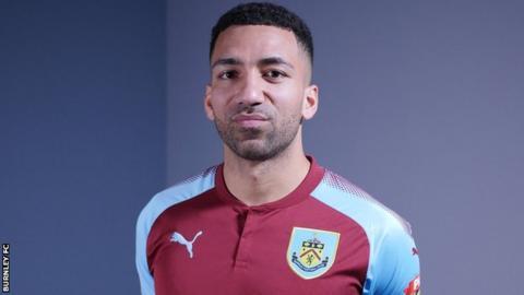 Aaron Lennon: Burnley sign winger from Everton for ...