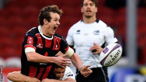 Billy Burns in action for Gloucester against Zebre