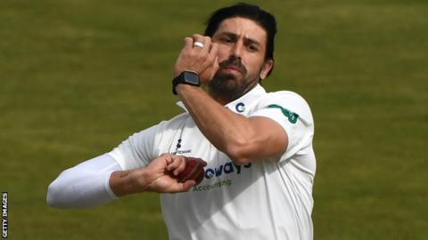 David Wiese bowls for Sussex