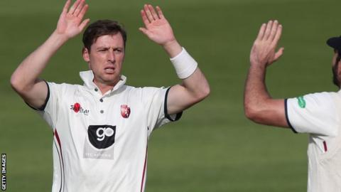 Matt Henry celebrates a wicket for Kent
