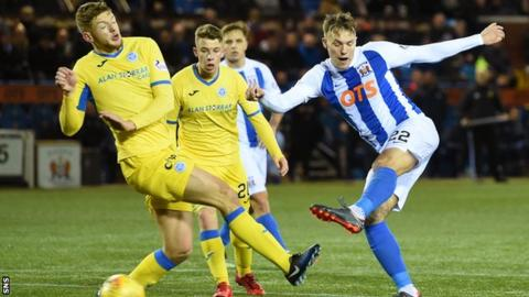 Lee Erwin has a shot for Kilmarnock in a match against St Johnstone