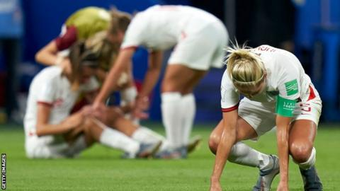 England players look dejected following semi-final defeat