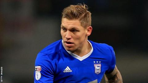 Championship play-off hopefuls Millwall held to draw at Ipswich