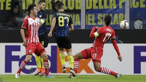 Antonio Candreva scores his first goal for Inter Milan