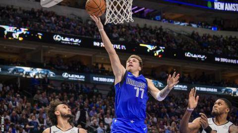 Carlisle salutes 'phenomenal' Doncic triple-double