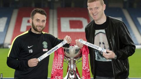 Hibernian's James Keatings (left) joins St Johnstone's Brian Easton