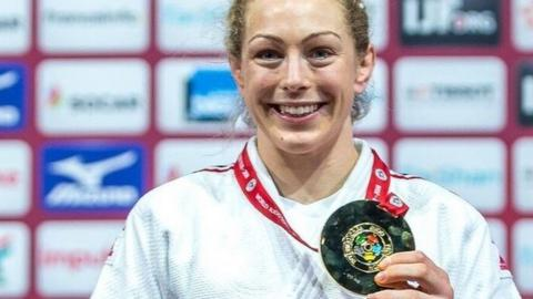 Sally Conway with Paris gold medal