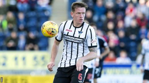 Lee Ashcroft in action for Dunfermline Athletic