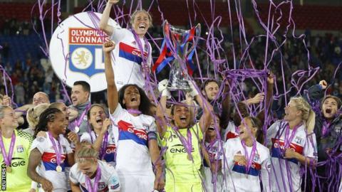 Lyon celebrate
