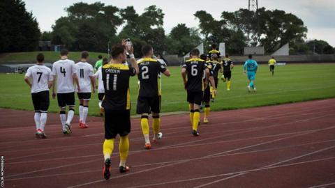 Edinburgh City and Livingston players