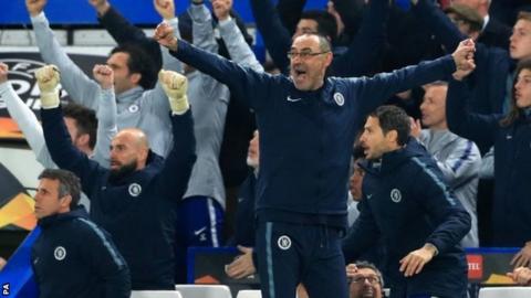 Maurizio Sarri celebrates Chelsea goal