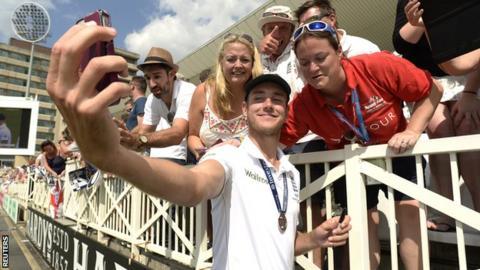 Stuart Broad takes a selfie