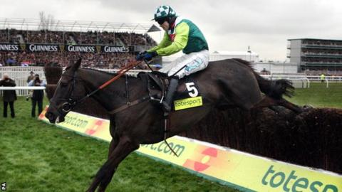 Denman won the 2008 Gold Cup ahead of rival Kauto Star