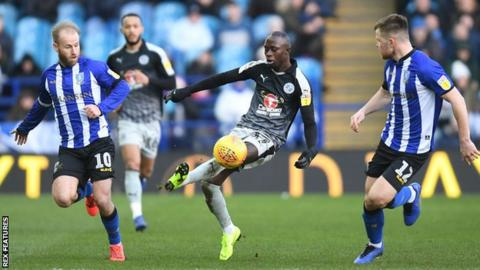 Mo Barrow in possession for Reading at Sheffield Wednesday