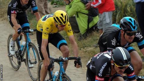 Chris Froome races in the 2015 Tour de France