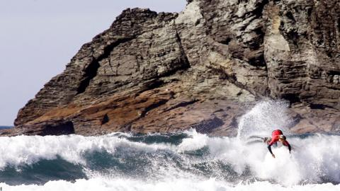 Valdovino, Spain, September 7: Jack Marshall of the United States in action during the men's QS/10,000 trial at the Galicia Classic Surf Pro event at Pantin Beach (Photo by EPA/Kiko Delgado).