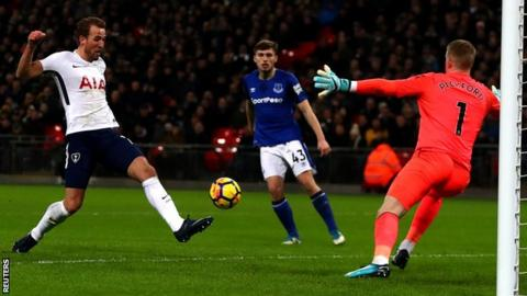 Kane 'can break all the records' - new landmark for Spurs striker in Everton thrashing