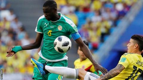 Cheikhou Kouyate: Crystal Palace sign midfielder from West Ham