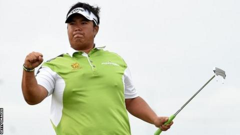 Kiradech Aphibarnrat celebrates his victory in Aberdeen