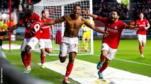 Niclas Eliasson celebrates Bristol City's winner