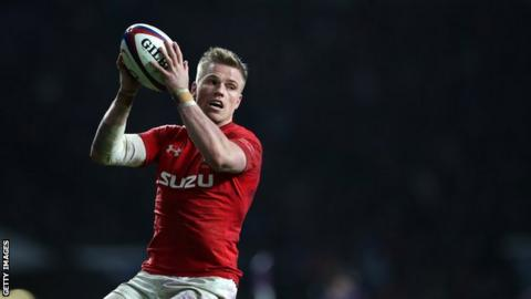 Wales lead Italy 17-7 in Six Nations at half