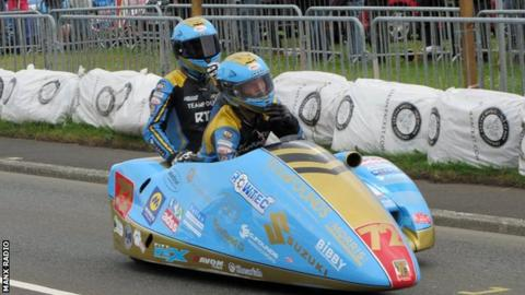Driver Pete Founds and passenger Jevan Walmsley on the start line of the championship race