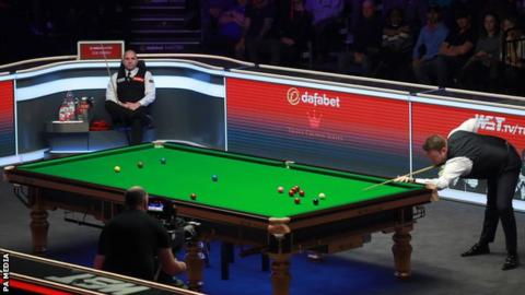 Murphy beats Perry to reach Masters final four thumbnail