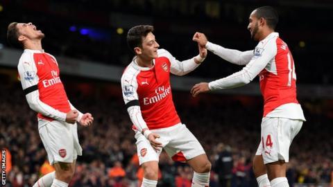 Arsenal celebrate scoring