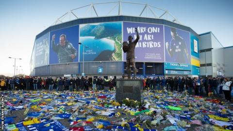 Cardiff, Nantes pay tribute to Emiliano Sala year on after player's death