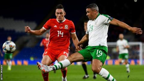 Jonathan Walters in action for Republic of Ireland against Wales in 2018