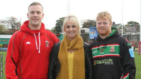 Captains with Lizzie Jones