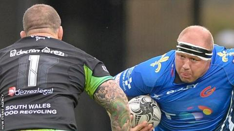 Brok Harris takes on Paul James