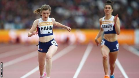 Sophie Hahn (left) winning T38 100m gold at the 2015 World Championships ahead of compatriot Olivia Breen