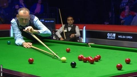 Mark Williams in action against Kishan Hirani