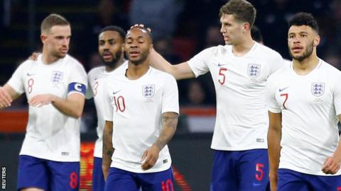 Sterling wants English fans to be positive