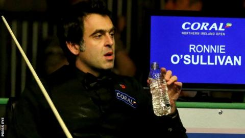 Five-time world snooker champion Ronnie O'Sullivan was an easy first round winner at the Northern Ireland Open in Belfast